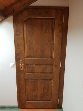 Porte assemblée épicéa