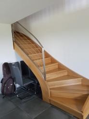 Fabrication et pose d'escalier en chêne massif