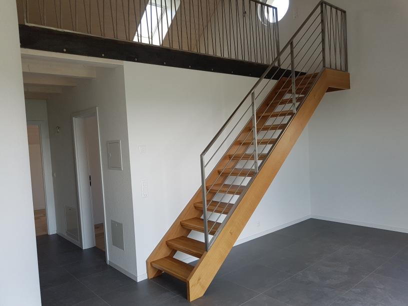 Fabrication et pose d'escaliers en chêne massif
